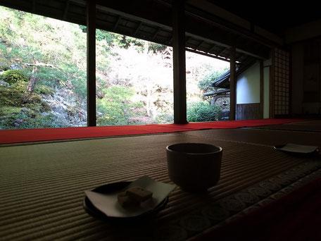 蓮華寺のお抹茶をいただける別室の画像
