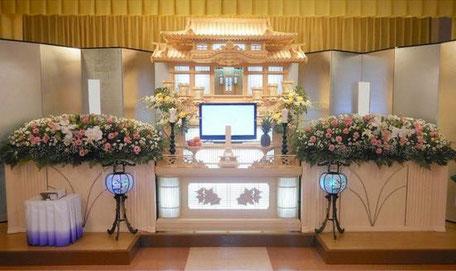 祭壇内生花 別途100,000円(税別)