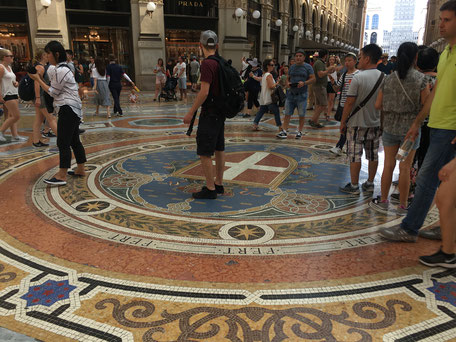 Gallery Vittorio Emanuele Milan inside