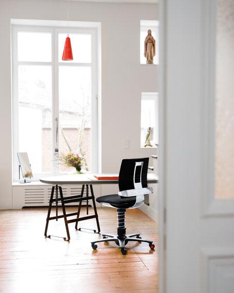Ein aktiver Arbeitsalltag mit dem 3Dee Bürostuhl