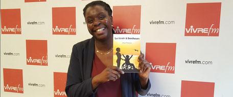 Awa Camara intervievée sur VivreFM pour son ouvrage Le tiroir à bonheur