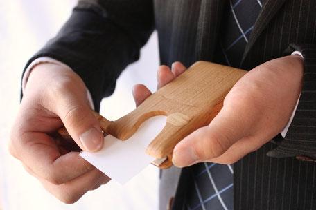 名刺入れ カードケース 木 ぬくもり 名刺交換 ビジネスシーン インパクト 飛騨高山