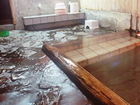 株湯 浴場