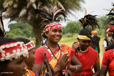 L'Orissa, ce sont des temples magnifiques, des tribus aux coutumes ancestrales, des collines verdoyantes, des marchés riches en couleurs. Ici, une jeune femme d'une tribu de l'Orissa. Un circuit profondément dépaysant.