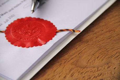 Beglaubigung, Beurkundung, beglaubigte Kopie, beglaubigte Unterschrift, letztwillige Verfügung, Vorsorgeauftrag, Bürgschaftserklärung, Gesellschaftsgründung, Statutenänderung, Kapitalveränderung, Grundstücksvertrag, Dienstbarkeit, Grundbuchamt