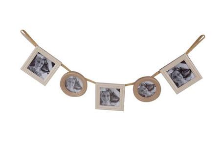 Marco de fotos de madera colgante con cinta