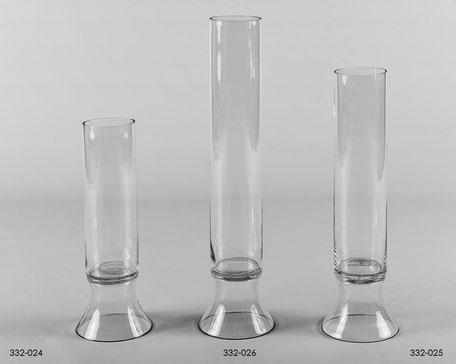 Jarrón de cristal transparente con forma de cilindro