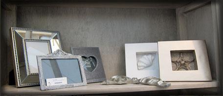 Marcos fotos, bandejas, cajas, flores, jarrones, maceteros, velas, accesorios y complementos