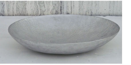 Plato de cerámica gris de mapa mundi