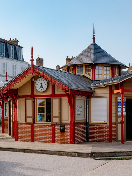 Saint-Valéry Train Station
