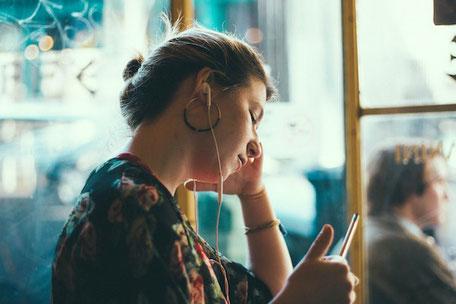 Was tun bei Langeweile? Coole und lustige Internetseiten für Teenager gegen Langeweile