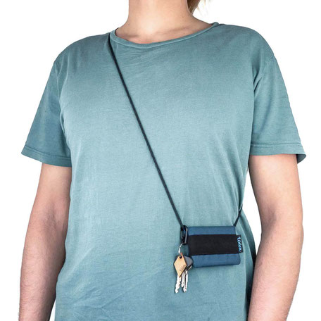 Petrol blauer Geldbeutel / Brustbeutel