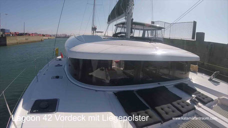 Catamaran Offshore Sailing, Catamaran Lagoon 42, Catamatan Atlantik sailing, Catamaran Mediterranean sailing, Catamaran docking, Catamaran maneuver, Catamaran training, Catamaran sailing, Catamaran holidays, Nautical miles, Nautical millage confirmation