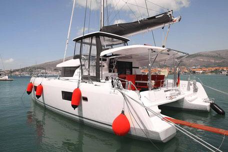 Katamaran, Lagoon 42, Katamaran Lagoon 42, Seitenansicht, Charter, Katamarantraining, Skippertraining, Hochseesegeln, Charter Kanaren, Charter Kroatien