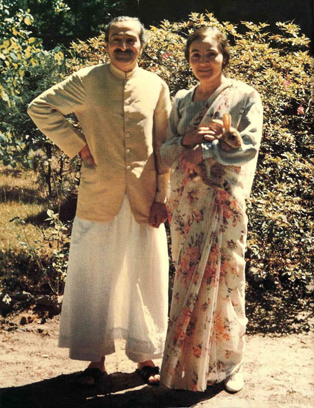 Lat April 1952 : Meher Baba standing with Mehera Irani on the Meher Center, Myrtle Beach, SC.