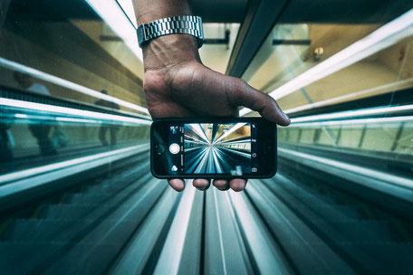 réseaux sociaux ou medias sociaux par eyeonline agency service webmarketing externalisé