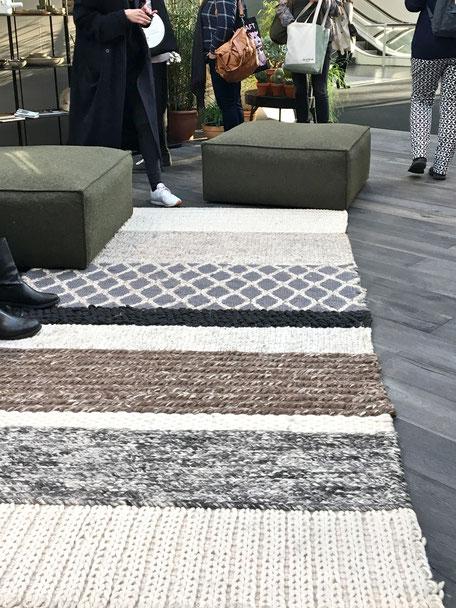dieartigeBLOG - IMM Cologne 2017 - BloggerRoom | Teppich aus Wolle in Natur- und Grüntönen