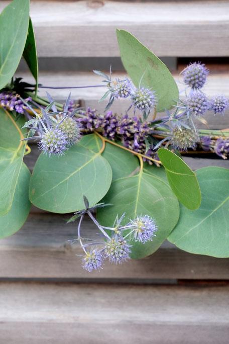 ieartige // Design Studio - BLOG - #Eukalyptus #Lavendel + #Kugel-Distel, #Sommer, #Sommerdekoration #Deko-Inspo #DIY