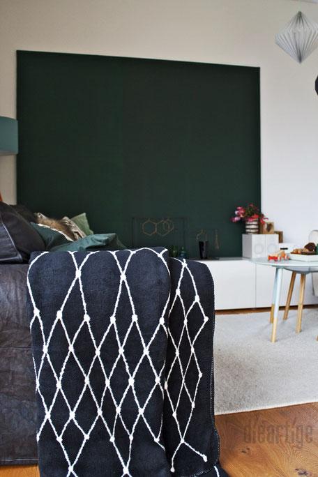 dieartigeBLOG - Tannengrüne LeinWand, GRID-Decke, Papierdekoration