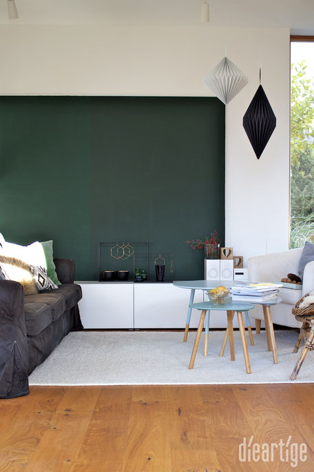 dieartigeBLOG - Tannengrüne LeinWand, Papierdekoration, Herbstdekoration, Beistelltische in Grau, Mint, Ocean
