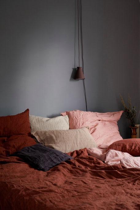 dieartigeBLOG // Schlafzimmer im Oktober, Leinenbettwäsche in Rost + Rosé