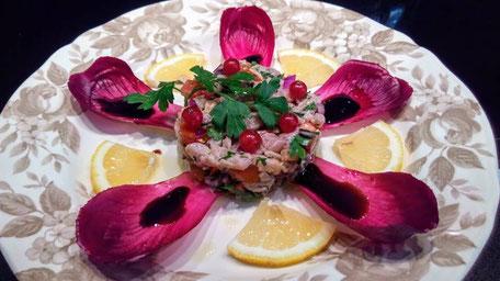 Tartare de thon tomate-groseille, sirop de balsamic, Chef à domicile, chef à la maison, chef à domicile Grasse, Cours de cuisine à domicile, cours de cuisine Grasse, Chef Tristan Pontoizeau