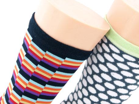 Bild: Damensocken ohne Gummi farbig, Strumpf-Klaus