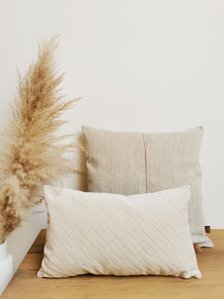coussin made in Belgium velours beige texture douceur pampa