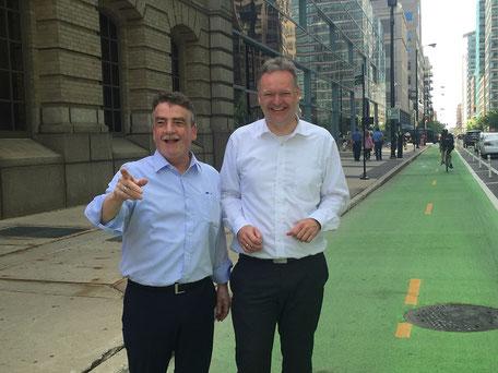 ADFC-Geschäftsführer Burkhard Stork (rechts) mit dem damaligen NRW-Verkehrsminister Michael Groschek in den USA (Quelle: ADFC)