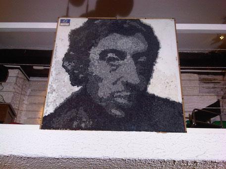 Serge Gainsbourg réalisé avec des filtres de cigarettes