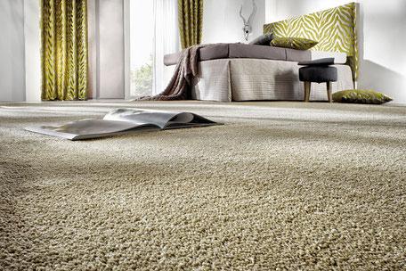 Beispielbild eines grünen Teppichbodens