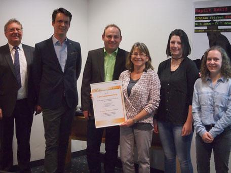 Das Raumausstattung Roser Team erhält einen Preis für 1000 Bewertungen