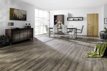 Exemplarisches Bild eines Laminatbodens in grau