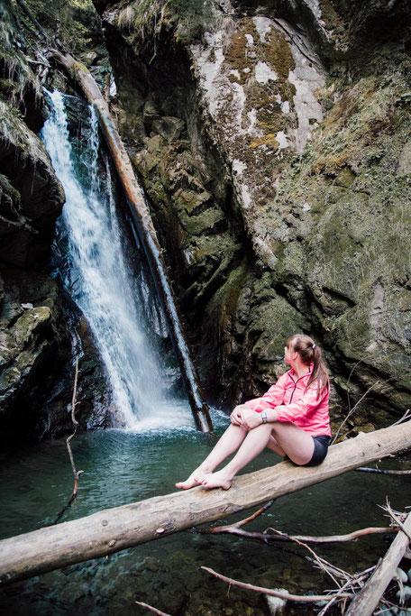 Wasserfall mit Bademöglichkeit in den Tuxer Alpen - Tirol