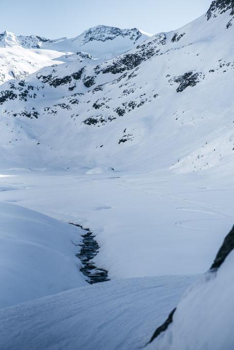 die schönsten Naturrodelbahnen in Tirol: Amberger Hütte, Sulztalalm, Sulztal - Ötztal  #rodeln #rodelbahn #winterwandern #tirol #alpen #stubaieralpen #ötztal #mountainhideaways