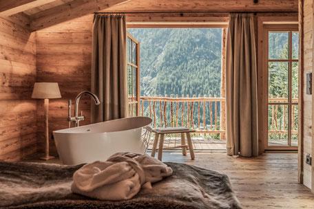 Hotel Neueröffnungen in Tirol 2021 - Benglerwald Chaletdorf im Lechtal, Luxuschalet, Traumurlaub in den Bergen #mountainhideaways Foto: ©Ratko Photography