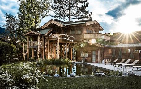 Hotel Neueröffnungen in Tirol 2021 - Baumhaus in Floras Garten, Alpenpension Claudia in Ellmau am Wilden Kaiser #mountainhideaways Foto: ©Cornelia Hoschek