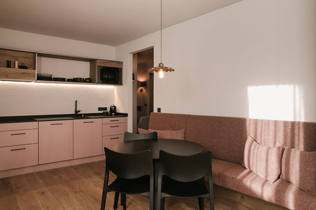 Hotel Neueröffnungen in Tirol 2021 - Omaela Apartments, St.Anton am Arlberg, ideal für Familienurlaub in den Bergen, Wanderurlaub, Skiurlaub #mountainhideaways Foto: ©Alexandra Genewein