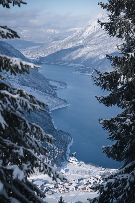 die schönsten Naturrodelbahnen in Tirol: Rodelbahn Zwölferkopf, Pertisau - Achensee  #rodelbahn #tirol #alpen #karwendel #mountainhideaways