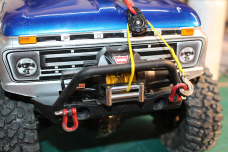 RC4WD Warn Winch - Zeon 10 & RC4WD Snatch Block