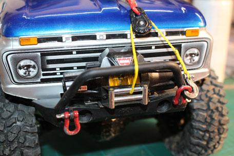 RC4WD Warn Winch - Zeon 10 & RC4WD Snatch Block