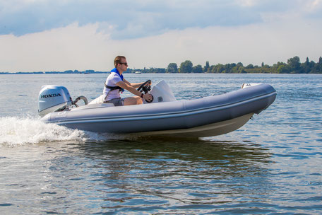 Zodiac Yachtline 400 Deluxe RIB - Rubberboot Holland Aalsmeer