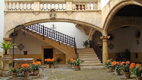 Charakteristischer Innenhof.