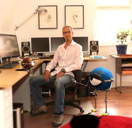 Foto vom Studio für 3D-Animationen in Bergisch Gladbach bei Köln mit eingefügter 3D Visualisierung virtueller Charaktere