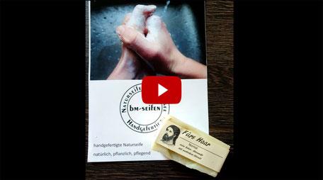 Joel Time: Festes Haarshampoo / Haarseife im Test