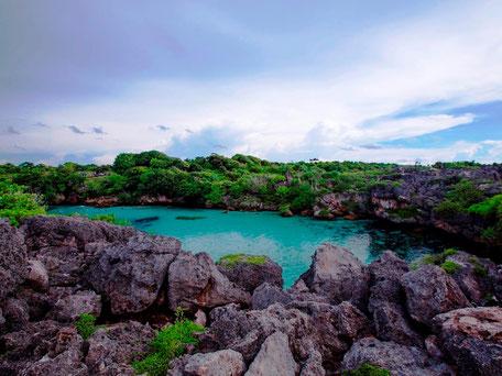 De oogverblindende Weekuri lagune met zijn turkoois blauwe water