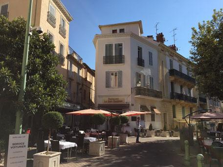 Rue Saint-Sauveur mit vielen tollen Restaurants