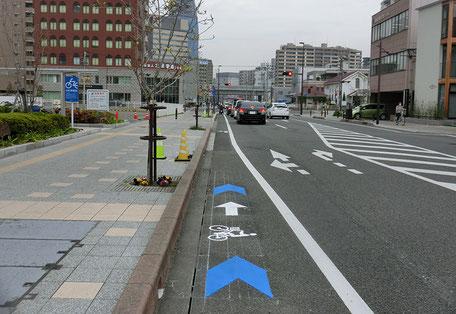 大分市自転車誘導サイン大通り