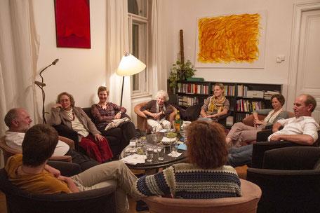 Gesprächsrunde beim TZI-Café