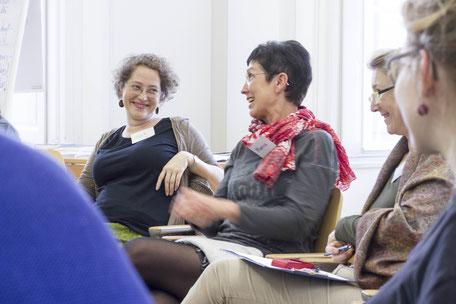Gespräch unter Workshop-Teilnehmerinnen